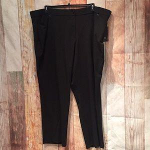 NWT Avenue black tummy control Plus 32 Trouser P26